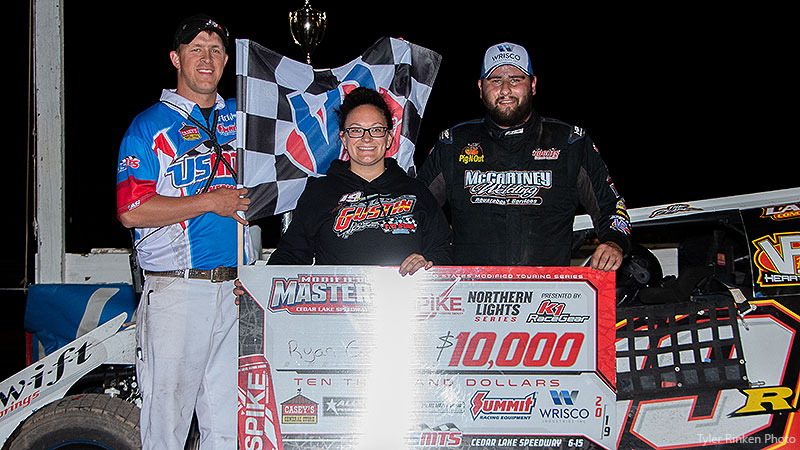 Gustin outduels Mars to score second Masters victory