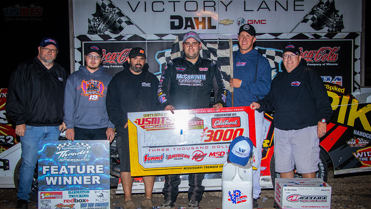 Gustin gets back on track with USMTS win at Mississippi Thunder Speedway